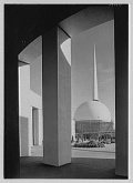 The Trylon and Perisphere, two modernistic structures at the New York World's Fair of 1939-1940 Photo: Trylon, Perisphere and Helicline (Samuel H. Gottscho)