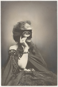 Scherzo di Follia (circa 1863-66): Virginia Oldoini, Countess of Castiglione photographed by French photographer Pierre-Louis Pierson.